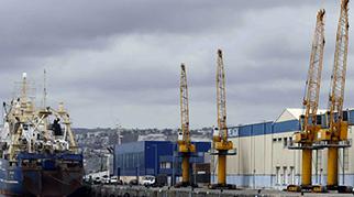 Los puertos logran un tráfico récord en 2017 pese al conflicto de la estiba